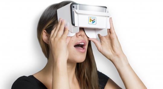 model-met-bril-01